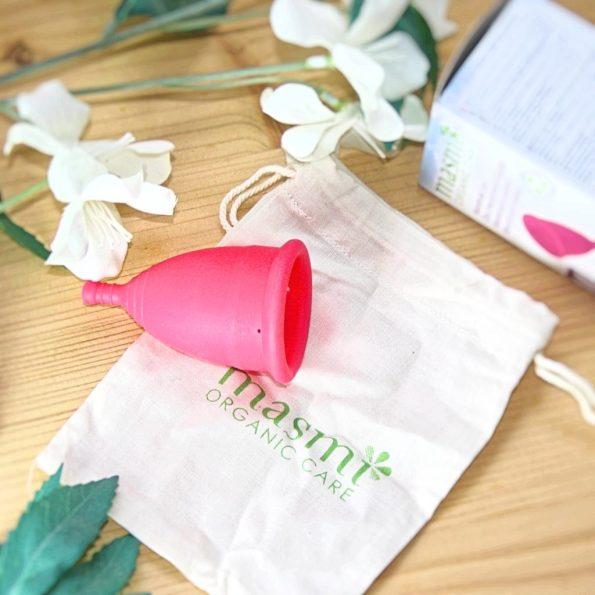 Copo menstrual como usar, vantagens e desvantagens